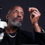 Willard Wigan - micro sculptor
